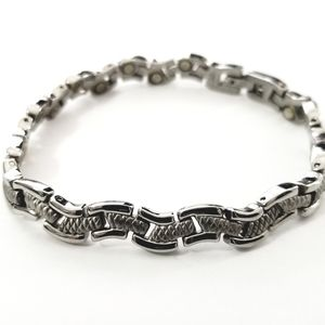 New stainless steel magnetic bracelet 7.5 inches